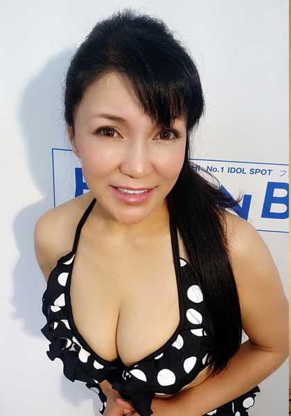 Rika Tsubaki