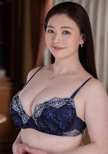 Shiori Asakura